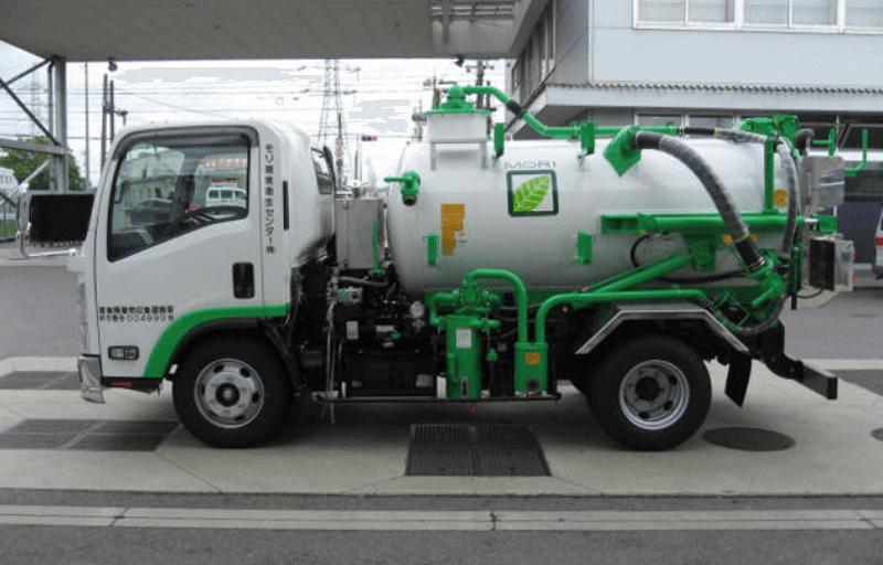 超強力吸引装置と高圧洗浄機を搭載した車両