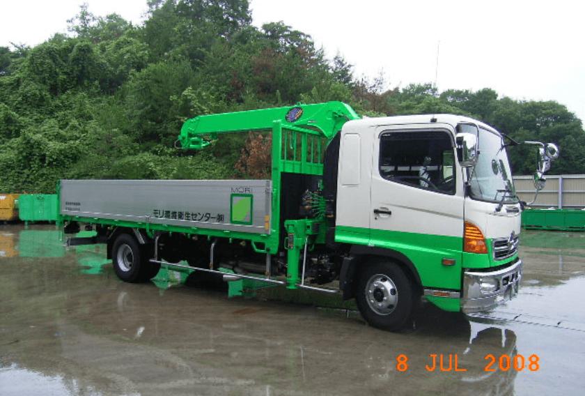 積載形トラッククレーン車